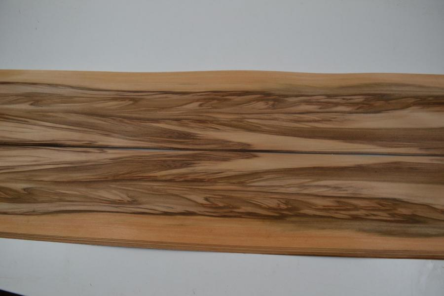 034 placage marqueterie satine red gum 4