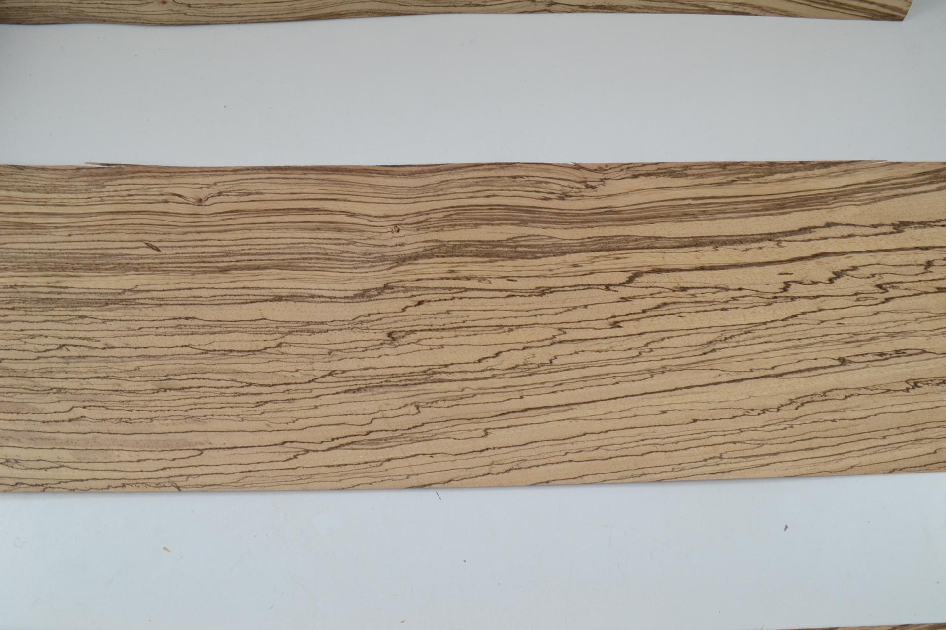 035 placage feuille de bois marqueterie zebrano 1