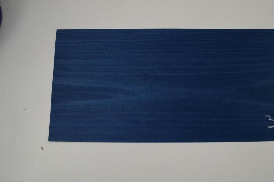 322 placage tulipier teinte bleu 2
