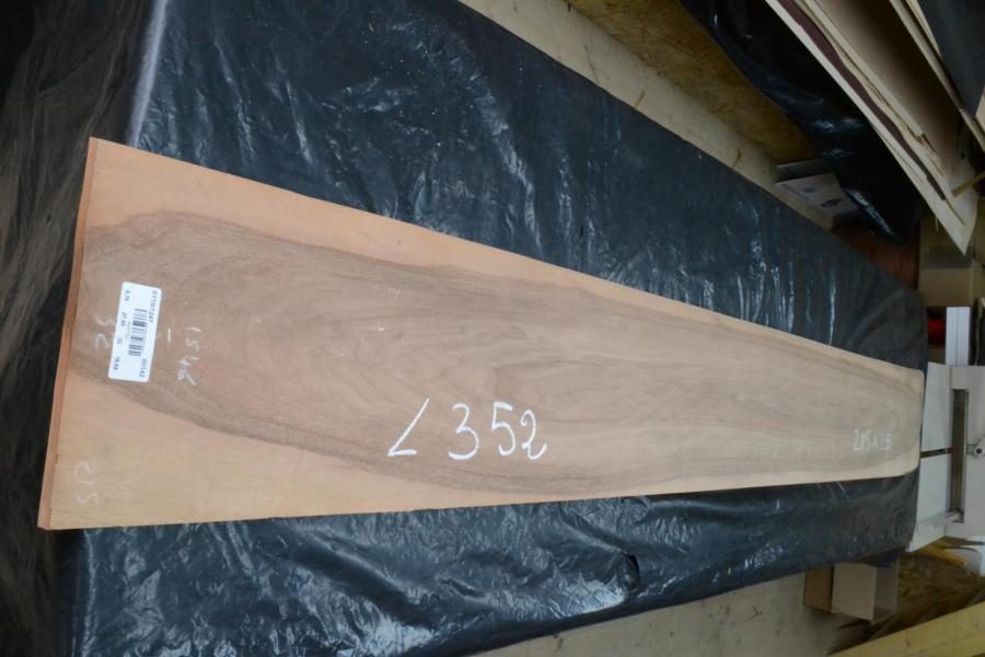 352 placage noyer de france feuille de bois 1
